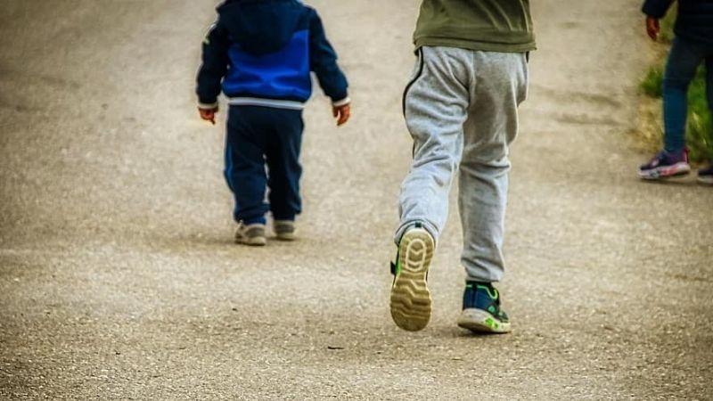 Secuestro a menores: Niño es perseguido por un encapuchado, grita a un amigo y esto pasa