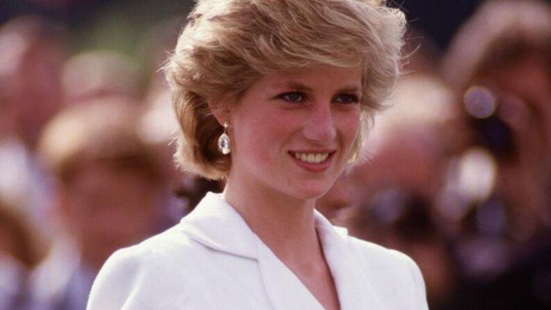 Luce como toda una princesa con estos peinados para cabello coros inspirados en Lady Di