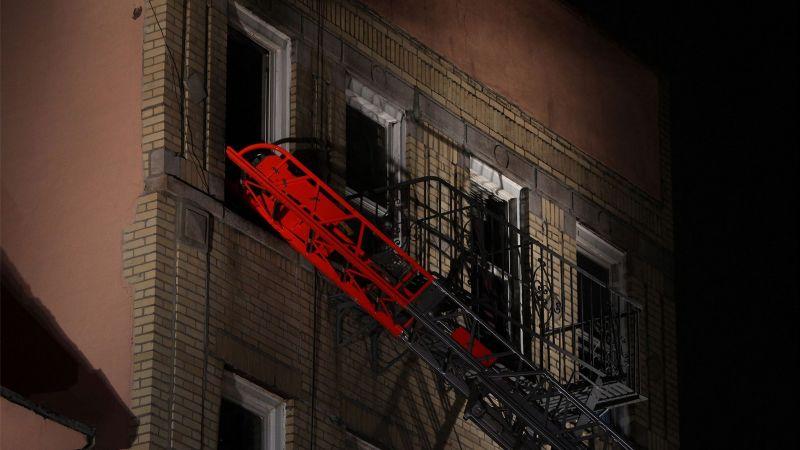 Acusan de homicidio a un latino que ocasionó un incendio en un edificio de Nueva York