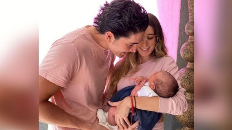 """Alex Fernández disfruta ser """"el niñero"""" de Cayetana, la primera nieta de 'El Potrillo'"""