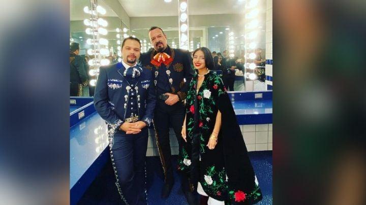 """Ángela Aguilar """"cambia"""" el Himno Nacional en pelea del 'Canelo'; Segob da contundente mensaje"""