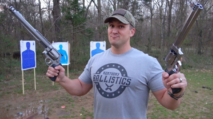 ¡Sobrevive para contarlo! Youtuber sufre accidente con rifle; una bala le atravesó el cuello