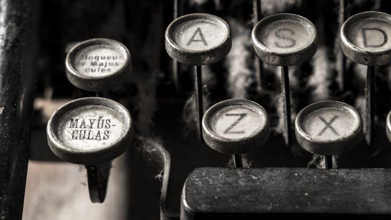 ¡Celébrala con palabras! Poemas de Gabriela Mistral para dedicar en el Día de la Madre