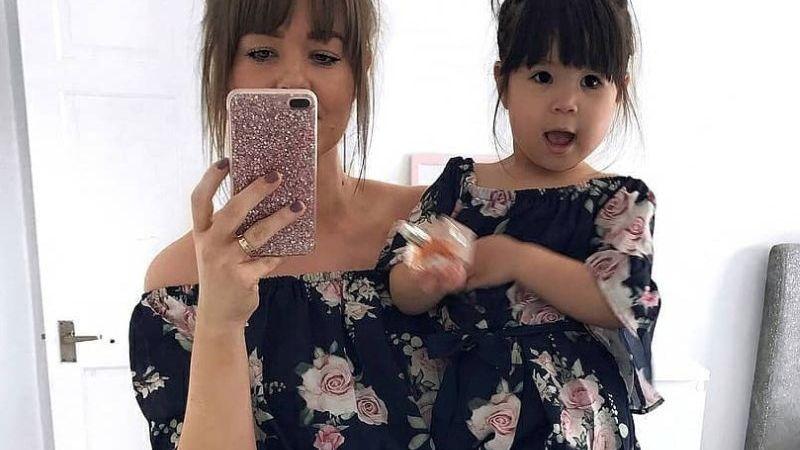 ¡Parecerán hermanas! 'Outfit' para combinar con tu mamá este Día de las Madres