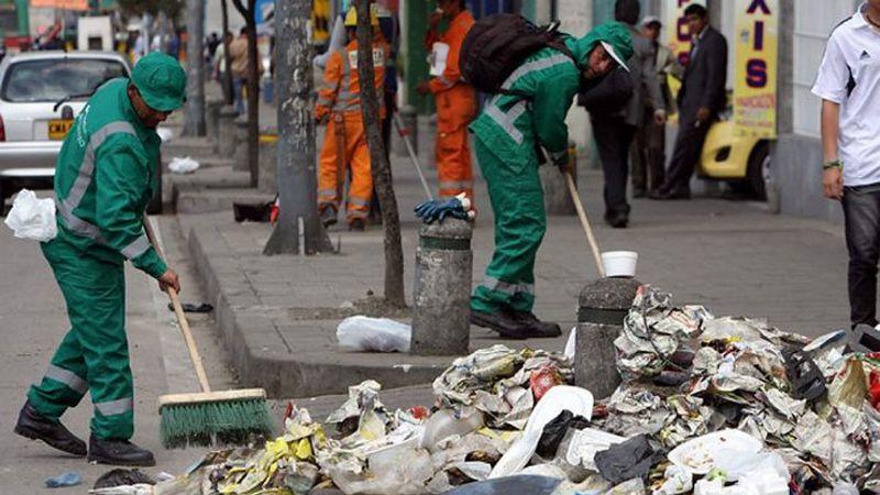 Declaran emergencia sanitaria por basura en las calles de Colombia tras 12 días en paro