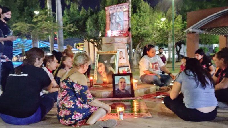 VIDEO: Rastreadoras de Ciudad Obregón velan a sus desaparecidos previo al Día de la Madres