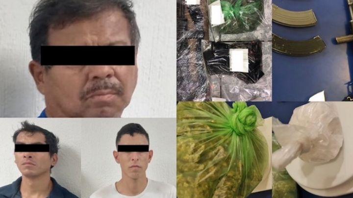 Arrestan a tres sujetos armados en Ciudad Obregón; portaban un 'cuerno de chivo' y drogas