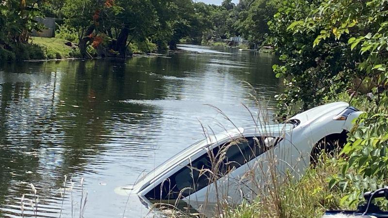 Estaba hundida en un canal: Encuentran SUV utilizada para un tiroteo en Miami Dade