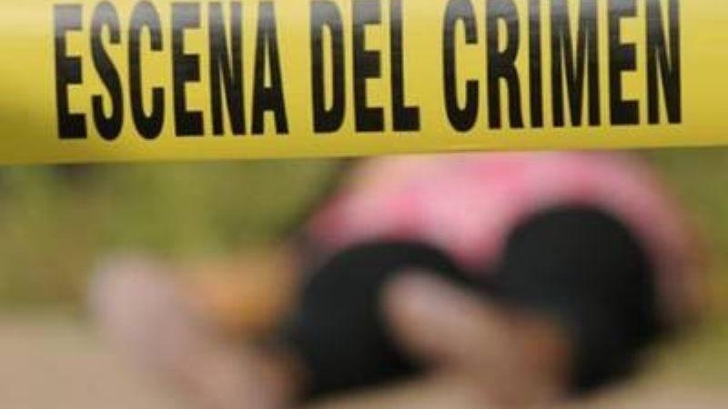 A sangre fría: Hallan muerta a Gloria de 45 años; su pareja la apuñaló y la quemó con ácido