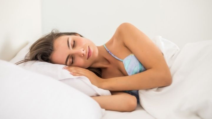 Haz tus noches de descanso mejores gracias a la ayuda de estos nutritivos alimentos