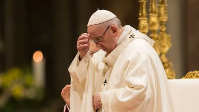 Arzobispo harto de la pederastia en la Iglesia intenta renunciar; el papa no se lo permite