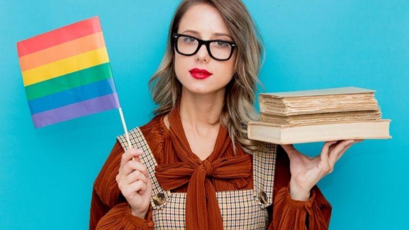 ¿Conoces a alguien de la comunidad LGBT+? Estos libros te ayudarán a entender el movimiento