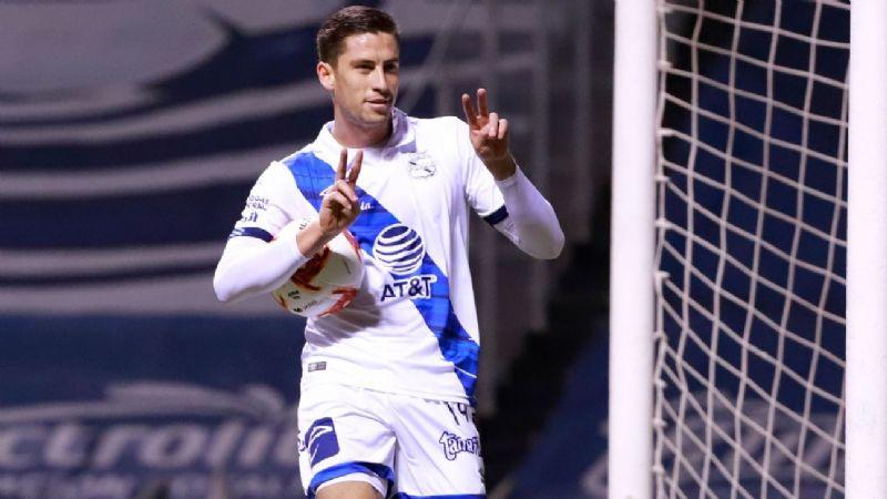 México se queda sin otro nueve; Ormeño jugará la Copa América con Perú