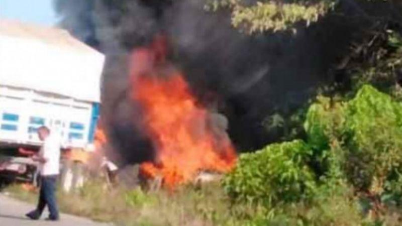 FOTOS: Enfermera muere calcinada; su automóvil se incendió tras ser embestido