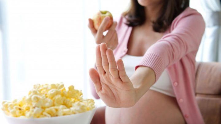 Conoce los alimentos que no debes comer en tu embarazo y evítalos a toda costa
