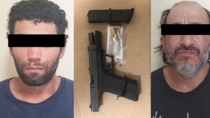 Caen dos presuntos 'tiradores' al norte de Sonora; les aseguran droga y un arma de fuego