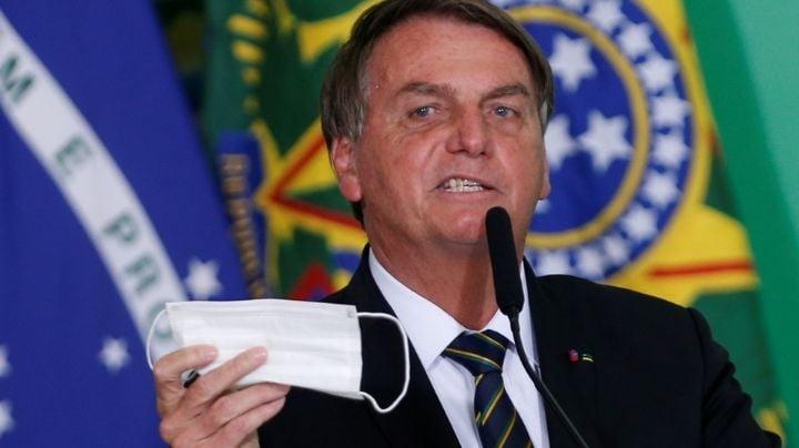 Autoridades de São Paulo multan al presidente Jair Bolsonaro por no usar cubrebocas