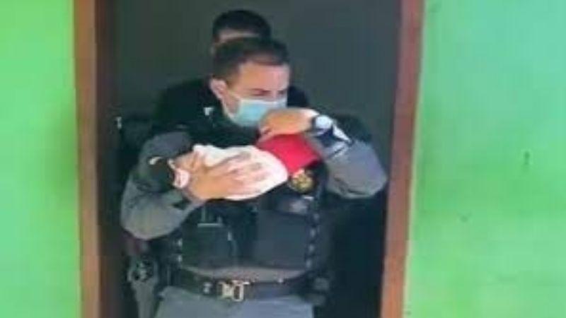 """Madre da su bebé como """"garantía"""" a narcotraficantes de que les pagará lo que les debe"""