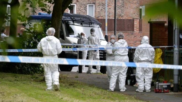 Brutal asesinato: Hallan el cadáver de mujer de 58 años; su novio muere horas antes