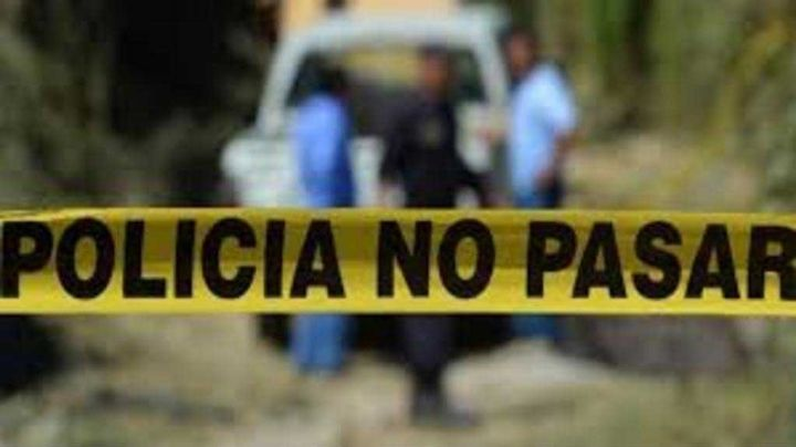 Balean y prenden fuego a un hombre dentro de su auto en el Estado de México