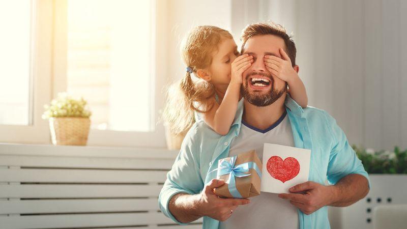 ¡Se acerca el Día del Padre! Este sería el regalo perfecto para papá, según su signo zodiacal