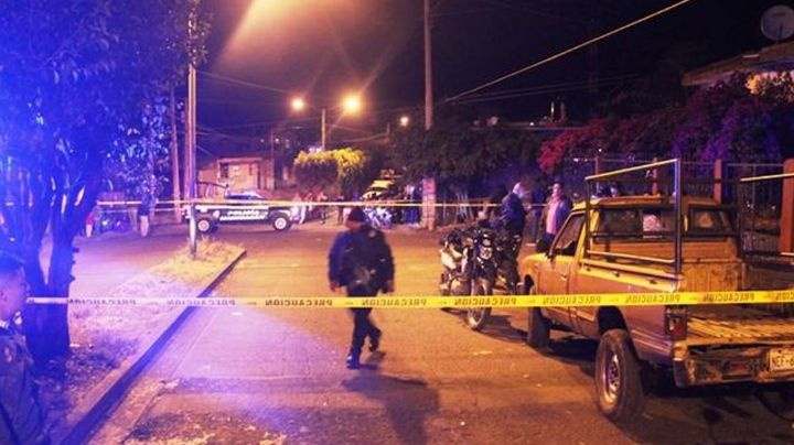 Violencia, imparable: Hombre es privado de la vida mientras caminaba por calles de Michoacán