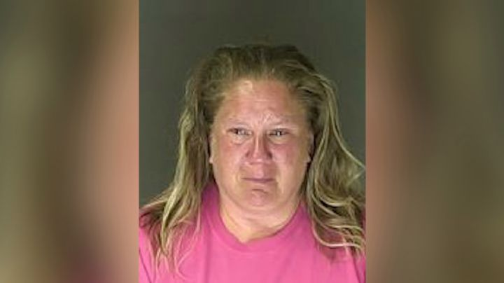 Cuidadora es acusada de abusar sexualmente de varios niños; provocó la muerte de uno