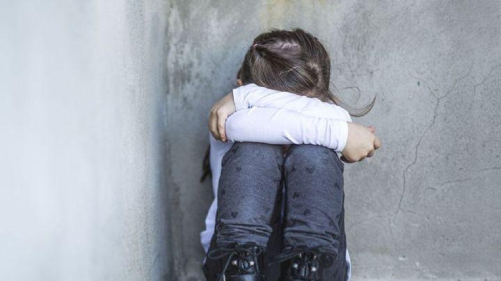 Cruel abuso: Un hombre viola a su hijastra; engañó a su abuela para sacarla de la casa