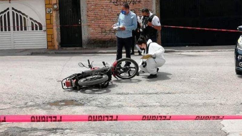 Tragedia: Niño en motocicleta colisiona contra camión y muere al caer; tenía solo 12 años