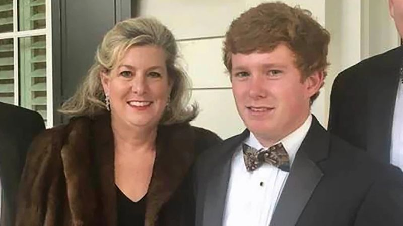A la madre la mataron con un rifle y a su hijo con escopeta; él había causado la muerte de una mujer