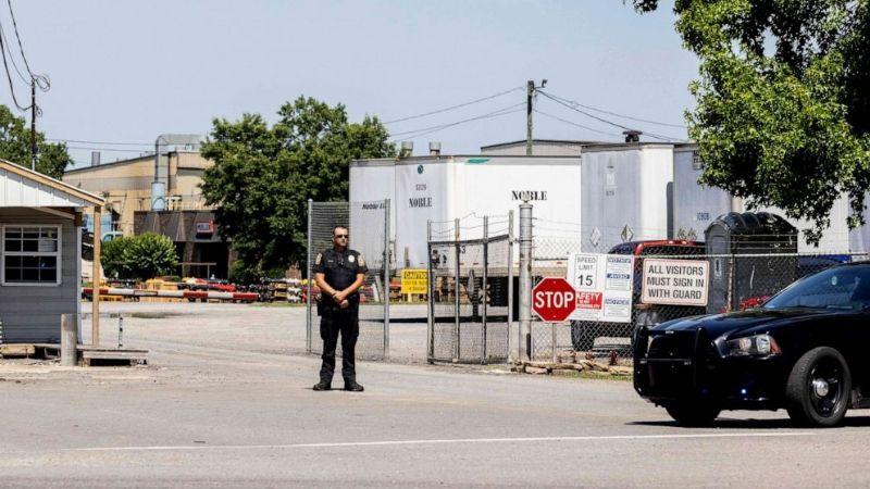 Trabajador de una planta de hidrantes asesina a dos de sus compañeros, huye y se suicida
