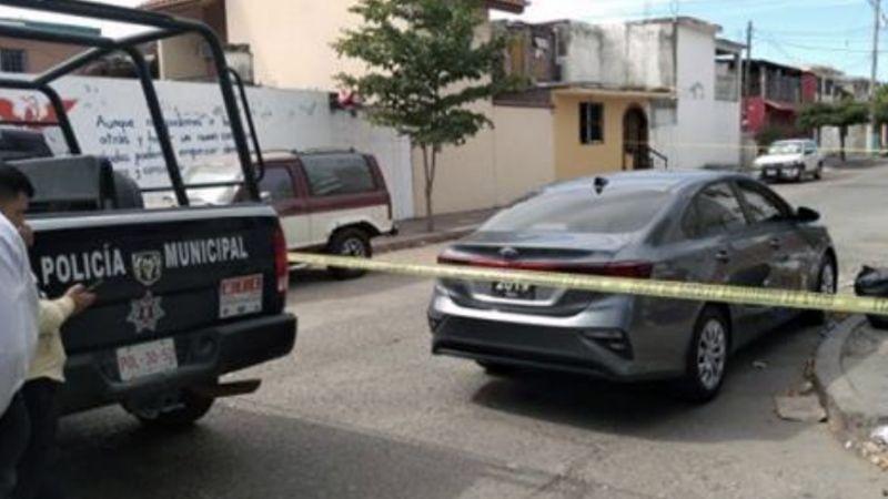 Terrible final: Adulto mayor muere de calor al interior de vehículo estacionado en Sonora
