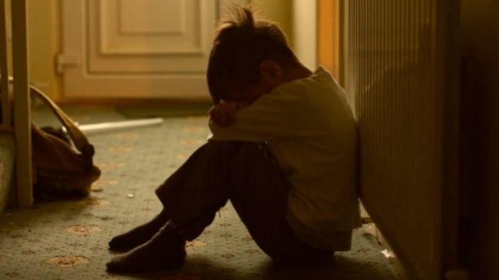 Atrocidad: Niño de 8 años se escapa de su casa; su padrastro lo golpeaba y su madre le ayudaba