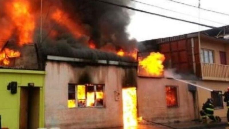 Mujer incendia la casa de su suegro en Nogales tras una discusión con su pareja