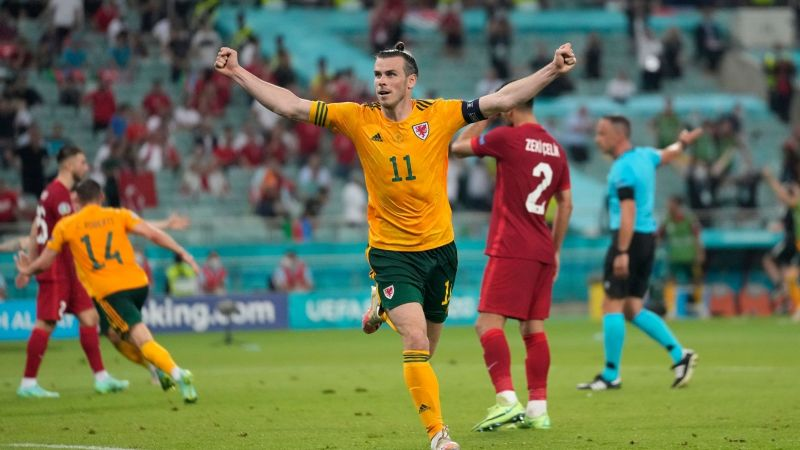 Luz y sombra; Gareth Bale desperdicia penal, pero ayuda a Gales a derrotar a Turquía
