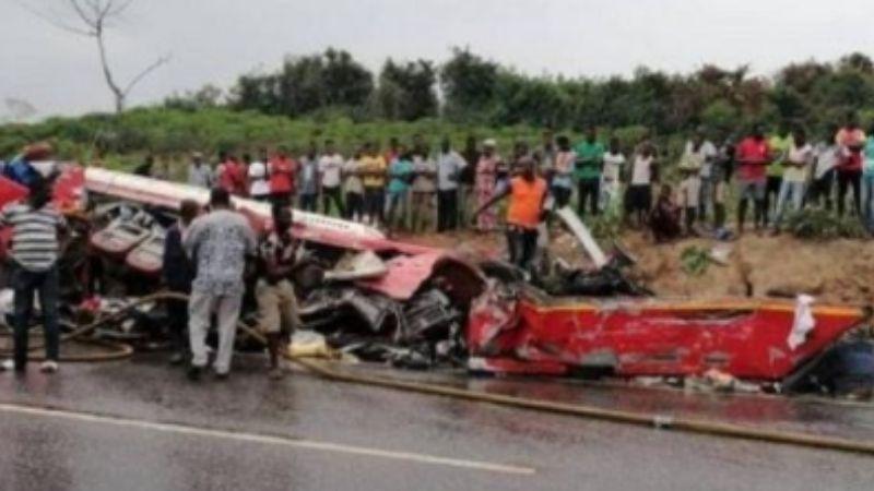 Tragedia en Zambia: Pierden la vida 18 personas tras accidente en la carretera