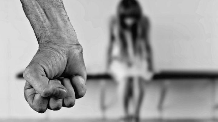 El 'Mandi' y otro sujeto golpean y asfixian a una mujer; abandonaron su cadáver a fuera de su casa