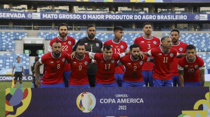 Tras una disputa legal, selección de Chile cubre el logo de Nike de su camiseta