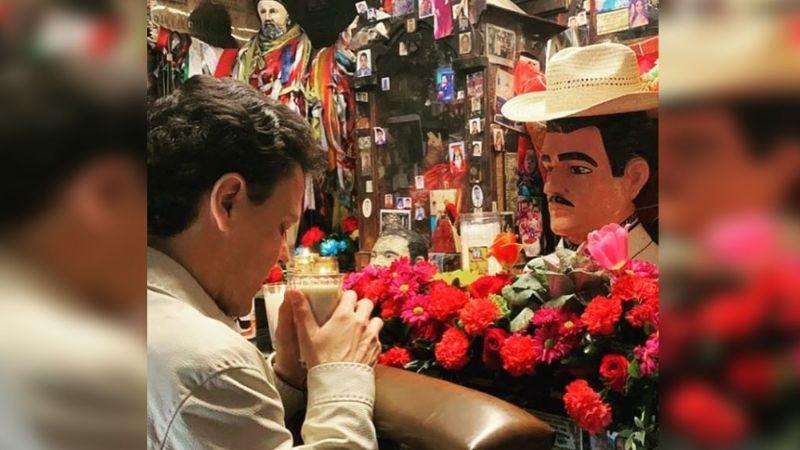 Así luce Pedro Fernández al pasar de 'La niña de la mochila azul' a 'Malverde: El Santo Patrón'