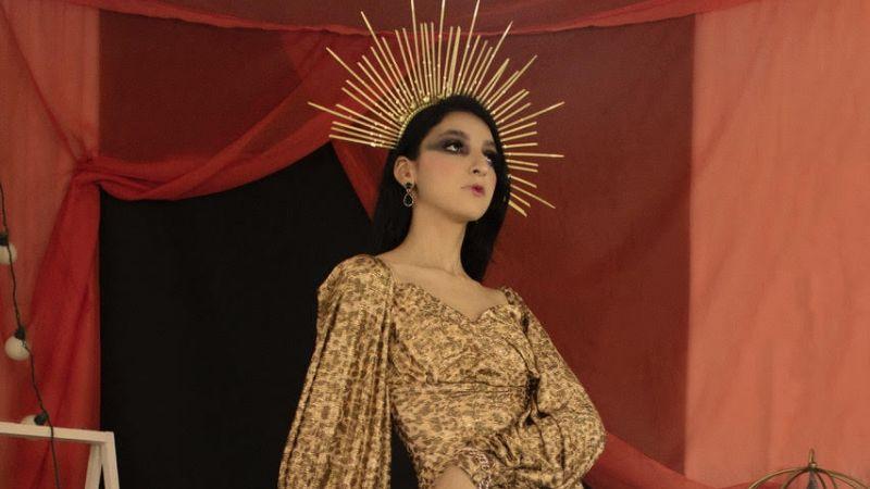 Carlos Conav, diseñador cajemense, presenta su nueva colección de Alta moda