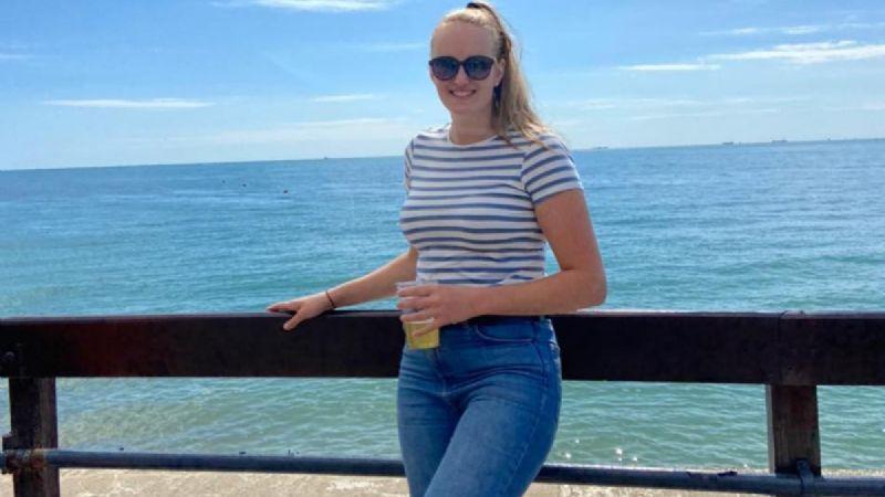 Modelo británica de 23 años habría sido asesinada en un brutal caso de homicidio-suicidio
