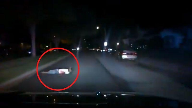 VIDEO: Oficial de la Policía iba a rescatar a un herido de bala y termina atropellándolo