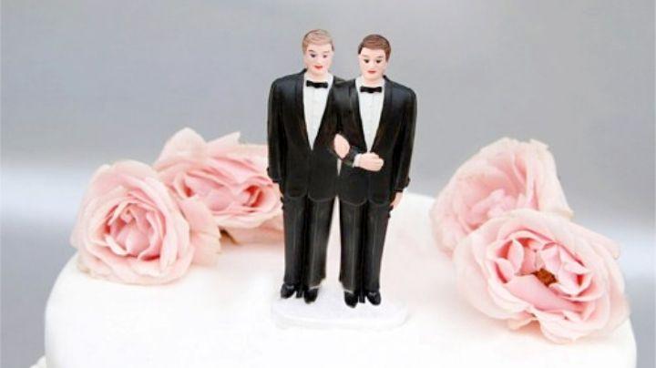 """Arrestan a 44 invitados en una boda gay; los acusan de """"propagar enfermedades infecciosas"""""""
