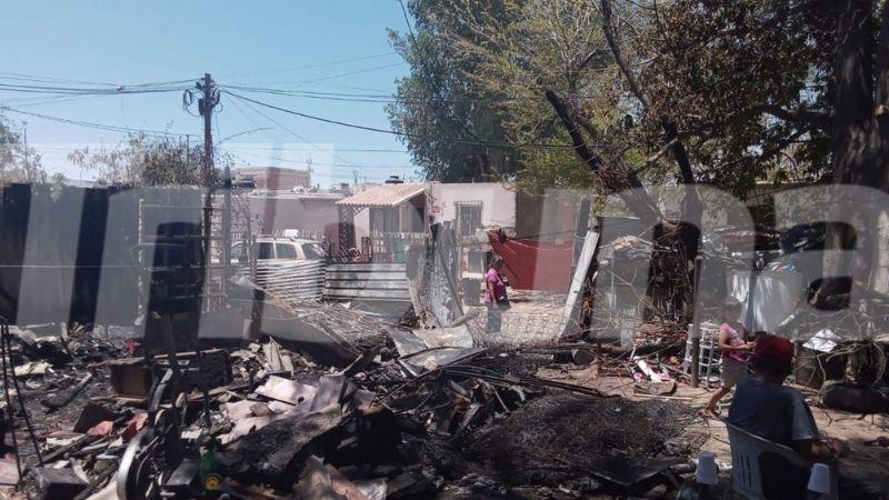 Guaymas: Tras perderlo todo en fuerte incendio de su vivienda, familia Thompson pide ayuda