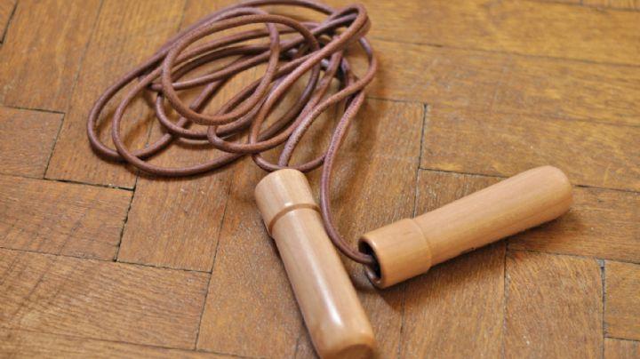 ¿Saltar la cuerda reduce más calorías que correr? Conoce los beneficios de este ejercicio
