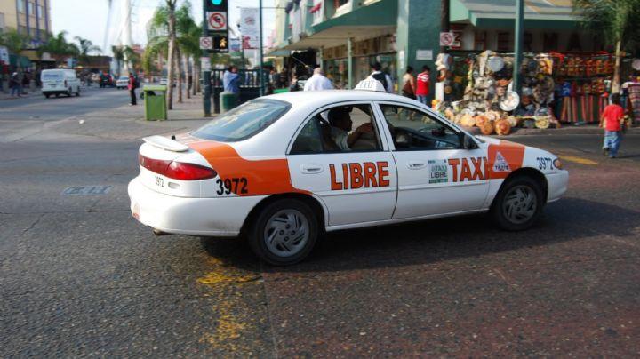 Salió a trabajar y jamás regresó: Acribillan a un taxista; su cadáver quedó en el vehículo