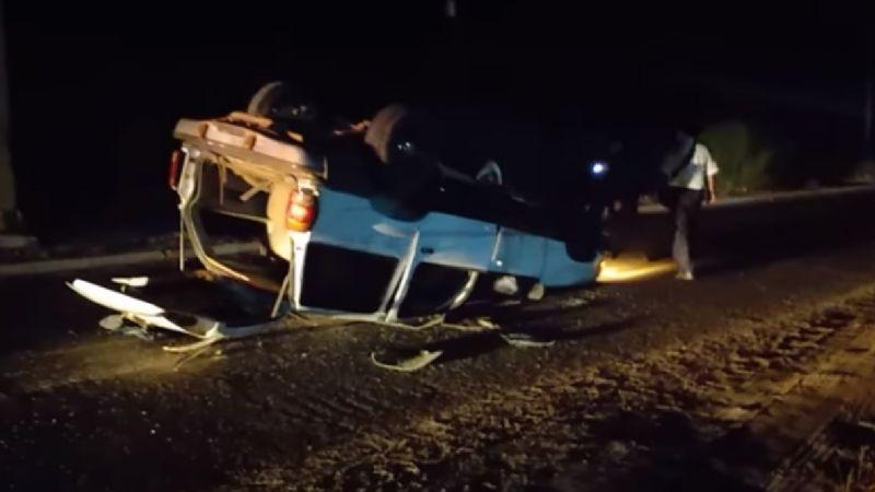 Brutal: Conductor protagoniza volcadura en carretera de Guaymas-Empalme y huye del lugar
