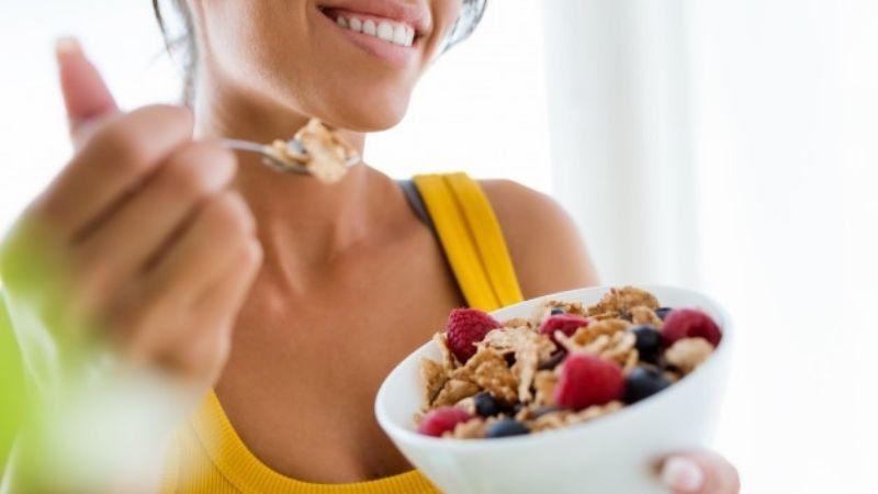 Detén tu consumo excesivo de dulce con ayuda de estos saludables alimentos