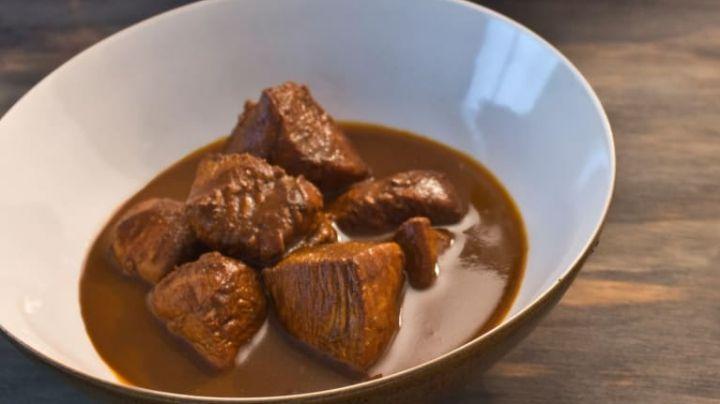 De Yucatán para el mundo: Prepara este pollo mulato y sorprende a tu familia