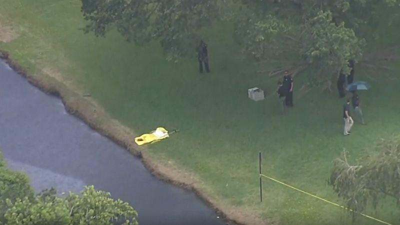 Encuentran los cadáveres de dos niñas flotando en un canal con horas de diferencia